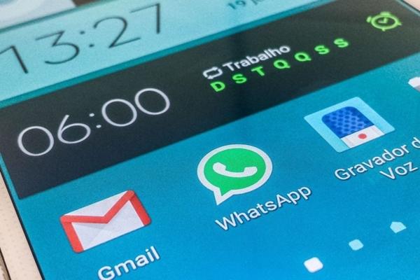 Jovem compartilhou pelo Whatsapp fotos íntimas da ex-namorada após o fim do relacionamento - Marcello Casal Jr./Agência Brasil