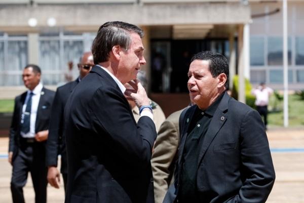 'O presidente sou eu', Diz Bolsonaro sobre fala de Mourão em defesa do isolamento