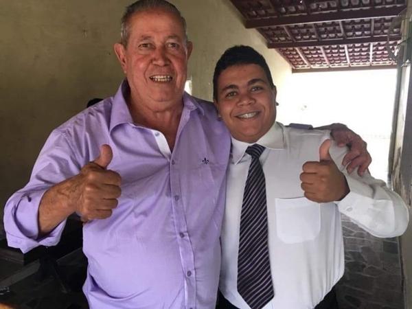 O prefeito Temóteo Brito ao lado do Sec de Saúde Hebert Chargas. Foto crédito O Sollo