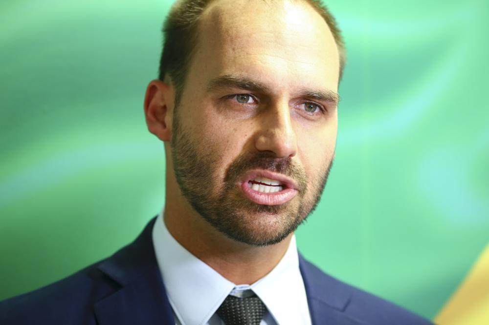 CPI da Covid pretende investigar viagem de Eduardo Bolsonaro a Israel